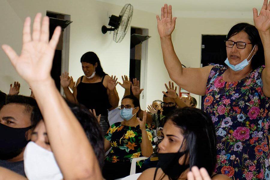 Pastor Alex Martins Pregando e Ensinando